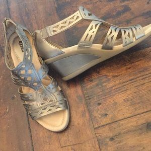 """Shoes - """"Earth"""" leather wedge sandals Size 8.5B"""